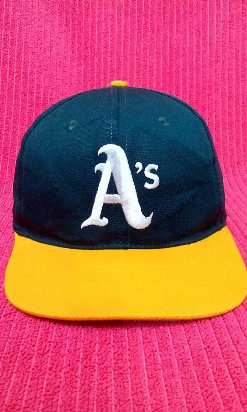 fd602752 Vintage Oakland Athletics A's Baseball Snapback MLB Cap   Etsy