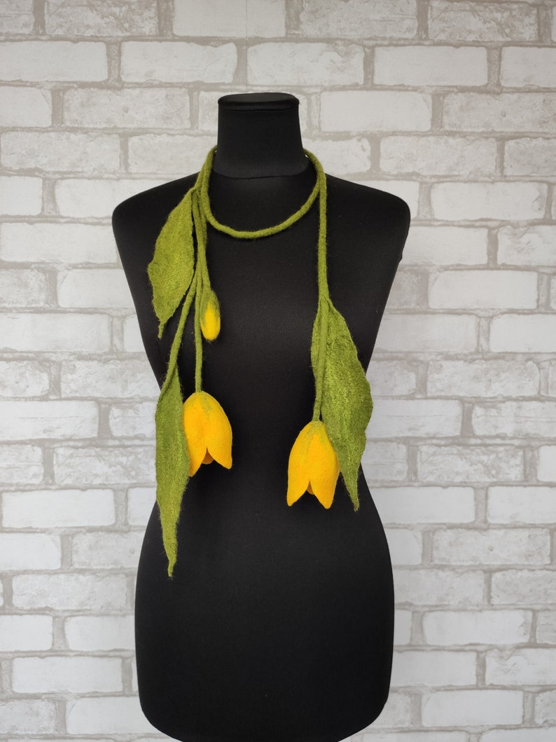 Women/'s felted necklace flower Felted woolen floral scarf for mom Felt wool boho lariat with yellow tulips