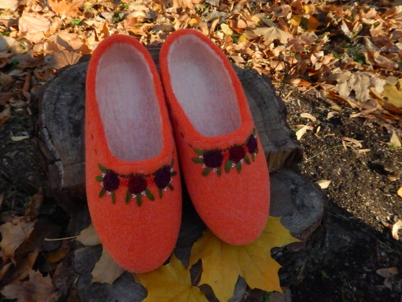 29af7549b6510 Orange slippers women's. Handmade wool house shoes. Felted woolen shoes.  Felt warm house slippers for women. Gift for her