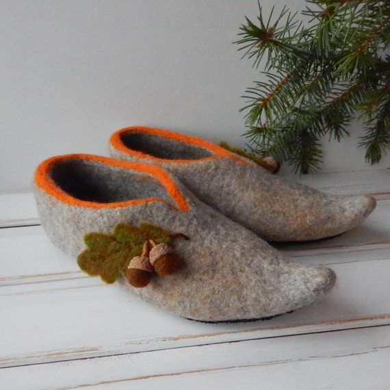 e6237202b17b4 Felt women's slippers forest with acorns Eco friendly wool house shoes for  women Felted organic clogs Elf slippers Warm cozy gift for her