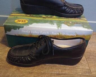 7f005f6c810 Vintage SAS Black Leather Lace Up Loafers Women s Sz 9