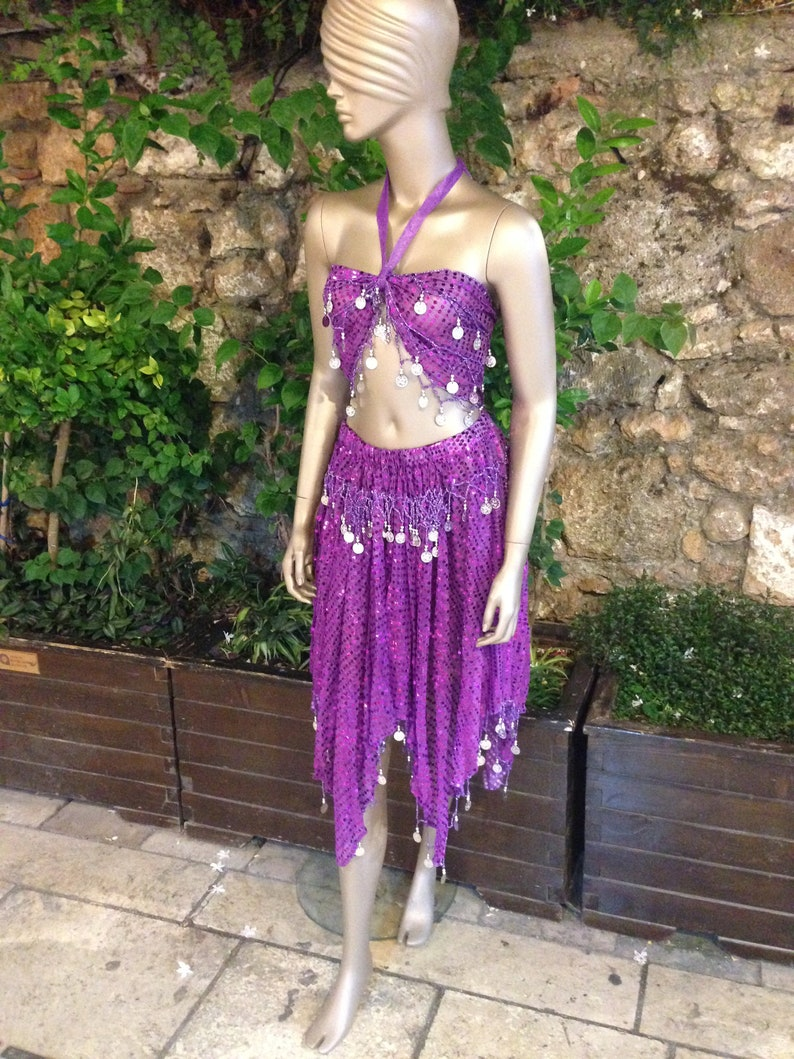 1f3294abf83f7 This is a belly dancing costume in five different colors same