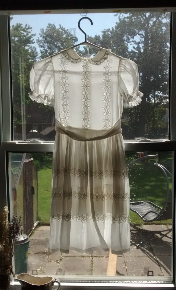 Imaginary Friends Dress - 1950s girls white lawn d