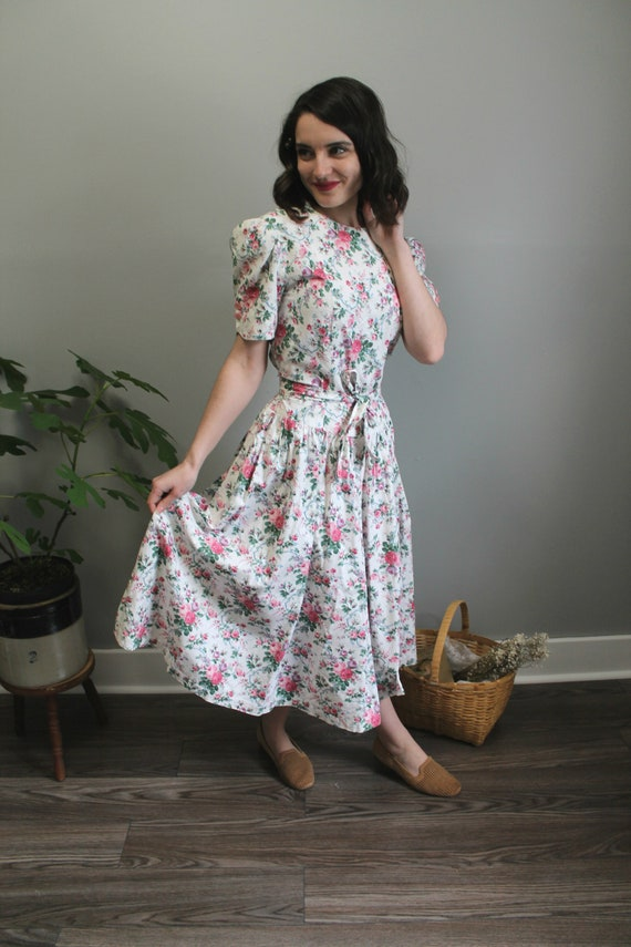 Good Company Dress - 80s romantic linen/cotton flo