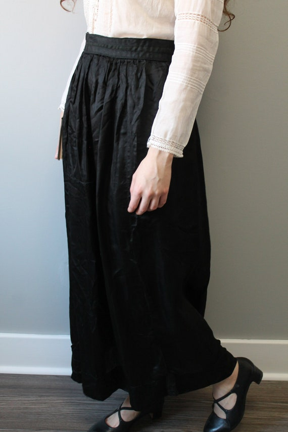 Full Moon Skirt - 1910s antique Edwardian black si