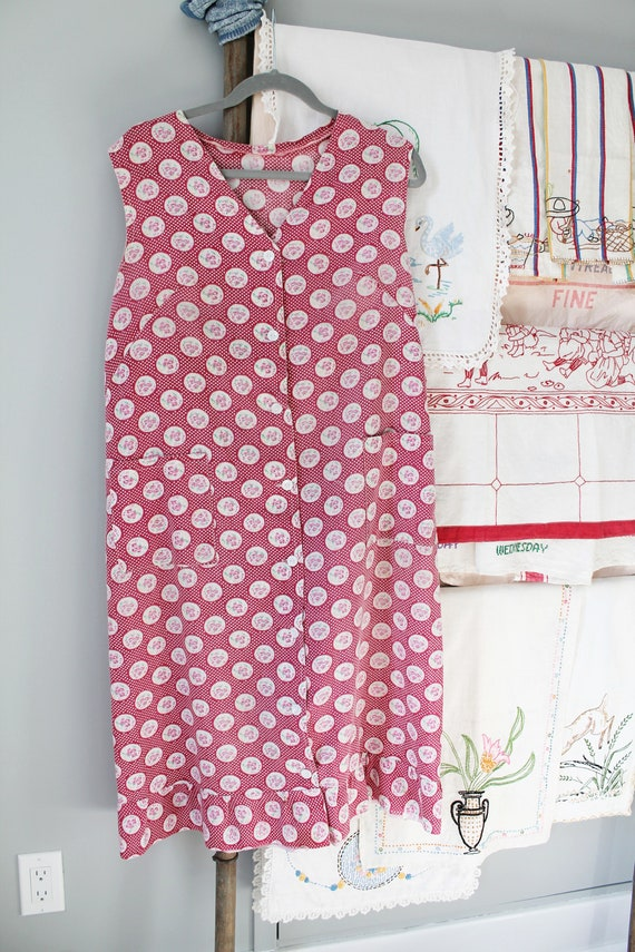 Laundry Day Dress - 1930s depression era pink hous