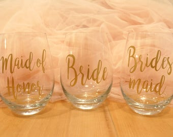 Custom Wine Glasses | Personalized Wine Glasses | Bridal Crew | Bridal Party | Shower Gifts | Bride | Bridesmaid Gift | Wedding Wine Glasses