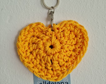 Keychain YELLOW in heart shape, also fits the operator's collar, handmade