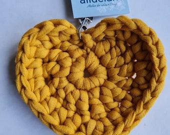Keychain YELLOW in heart shape, matching the crochet bag tote bag, handmade