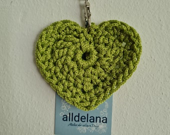 Keychain GREEN in heart shape, also fits the operator's collar, handmade