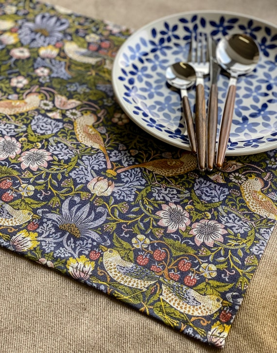 Placemats set (4 or 6), William Morris, Strawberry Thief, linen placemats, 100% linen, Morris fabric, Europe