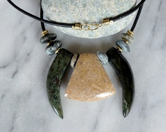 Fossil stone - Cornudo and jade necklace