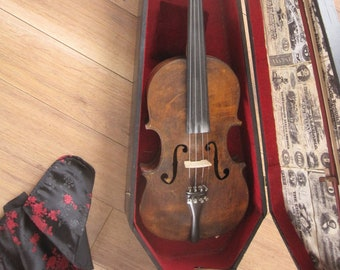Early 20th ( or earlier) Century Folk Art Fiddle Hand Made in Georgia