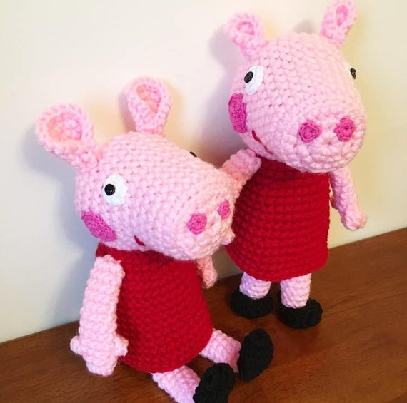 Peppa Pig Family Pattern amigurumi | Peppa pig family, Pig family ... | 565x570