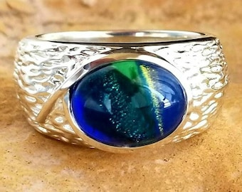 Gentle Soul Mans Memorial Ring in Silver or Gold, Ashes in Glass, Cremation Jewelry for guys, Ashes Ring