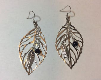 "Earrings ""Silver leaves and her black cat's eye"""