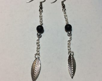 """Earrings """"leaf and Pearl chained natural stone"""""""