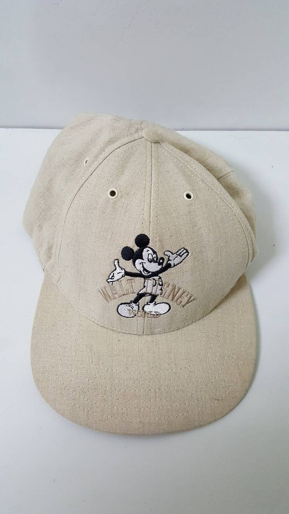 fe8823e53b0 Vintage Walt Disney World Mickey Mouse Snapback Cap