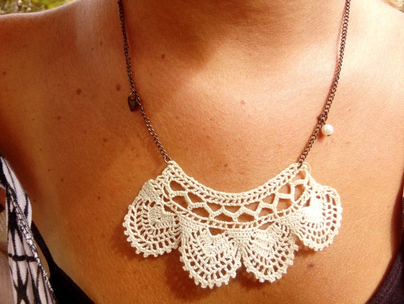 Vintage 30's lace, turned into necklace