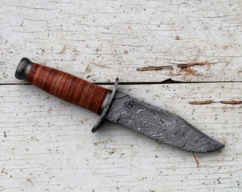 SPECIAL EDITION* Badger Fighting Knife; Damascus blade, Leather stack handle