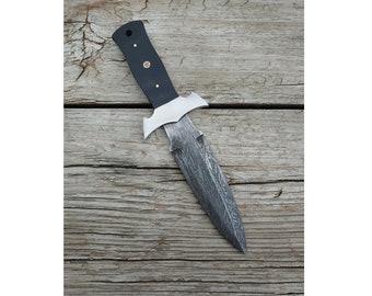 Dragon Skin Dagger; Horn Handle