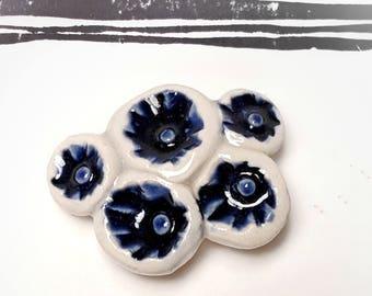 Broche bleue naturelle en céramique