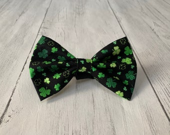 St Patricks Day Dog Bow Tie in gorgeous black with green lucky shamrocks.