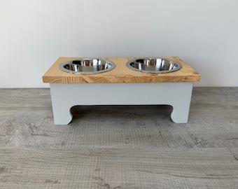 Medium Double Bowl Pine Topped Raised Dog Feeding Stand