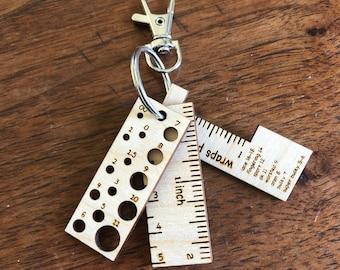 Knitting tool Keychain, Knitting Gift, Knitting Gauge, Knitting Wraps per Inch, Mini Ruler, Wood tools, Needle Gauge