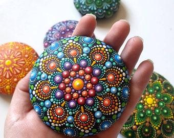 Mandala Stone, Dot Mandala, Painted Rock, Paperweight, Mandala Rocks, Hand Painted Stone, Stone Painting (including L-legs)