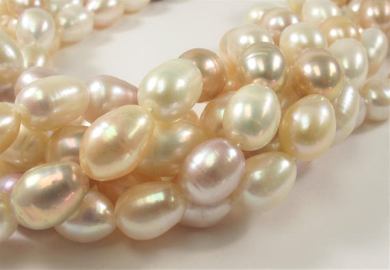 #83 Freshwater Pearl Pinkish White Color Rice Shape Size 4.5 x 6.5mm