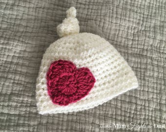 Newborn top knot hat, Newborn heart hat, Valentine's Day Hat, Baby heart hat, Crochet heart hat, Baby Shower Gift, Baby girl hat,