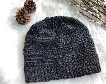 CROCHET PATTERN, Messy Bun Hat Crochet Pattern, Ponytail Hat Crochet Pattern, Crochet Hat Pattern, Messy Bun Beanie Pattern, Bun Hat Pattern