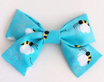 Busy Bees Bow Clip