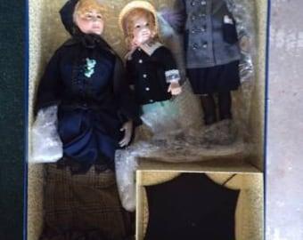 """Renoir """"The Umbrella Dolls"""" set"""