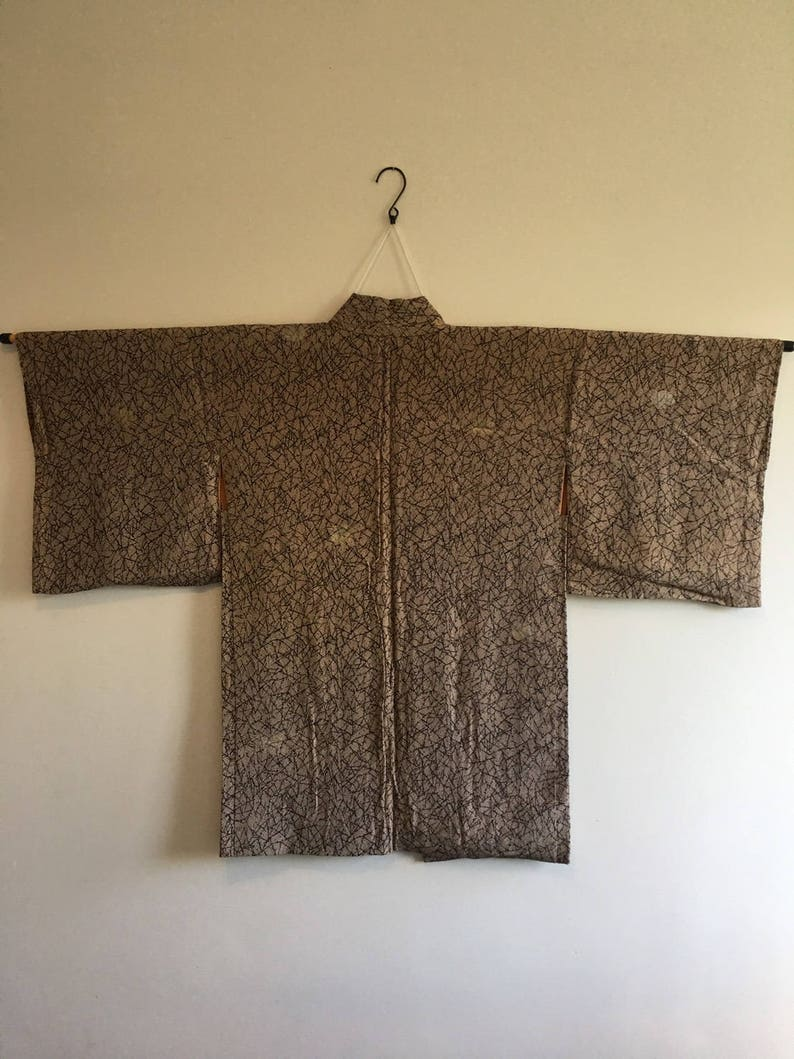 hobo Vintage Japanese  kimono Jacket Silk crepe Haori black  abstract lines red yellow dots on beige kimono jacket 0080 Haori jacket