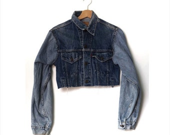 women's Levi's crop denim jacket