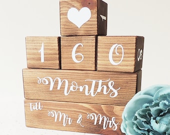 Personnalisé Rustique Mariage compte à rebours plaque engagement Bride To Be Cadeau Signe
