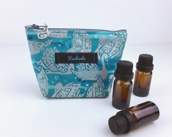 Silver Swans Essential Oil Bag,  Silver Swan 6 Bottle Essential oil Bag, Essential Oil Travel Bag, Essential oil storage, Silver Oil Bag