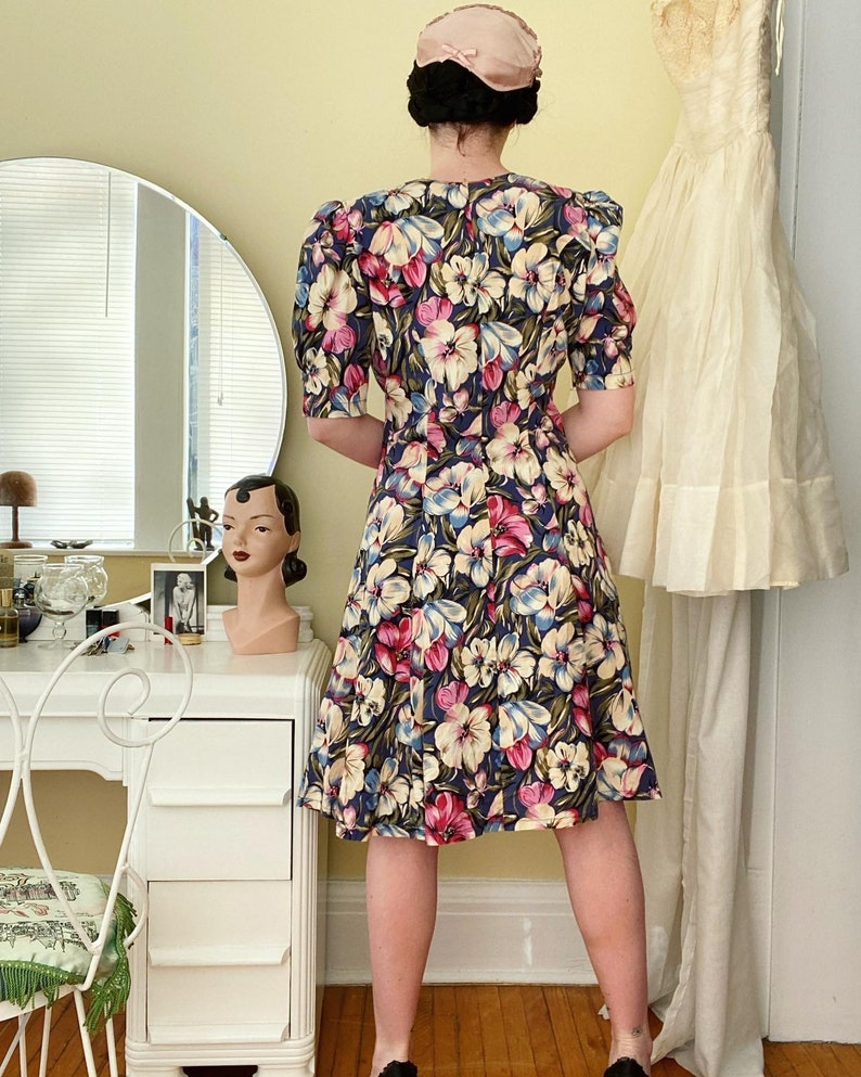 80s With 40s Vibe Bold Floral Print Summer Dress