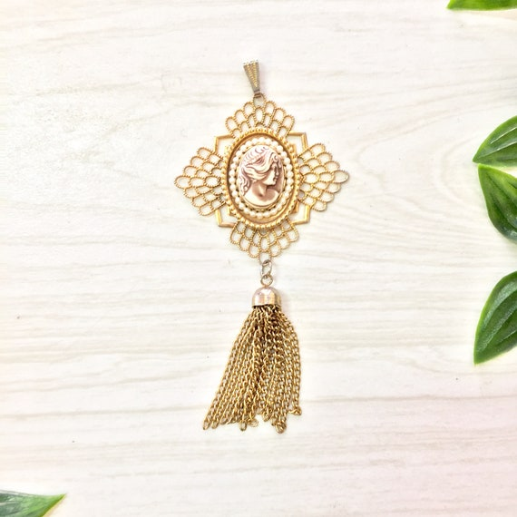 ffe3fff8e2a41 Vintage Cameo Pendant, Gold Tone Pendant, Necklace, Vintage Jewelry, Cameo  Jewelry, Tassel, Faux Pearls, Gift for Mom, Mothers Day Gift