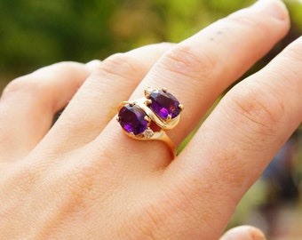 Vintage 14K Gold Amethyst Diamond Ring, Dazzling Faceted Amethyst Gemstones, Accent .04 CT Diamonds, Thin Yellow Gold Band, Size 9 1/4 US