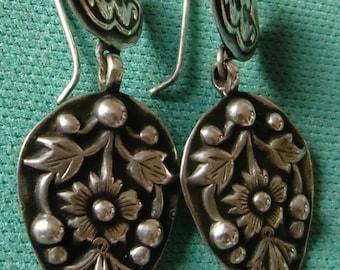Vintage look women's fashion jewelry 92.5 sterling silver tribal hook floral drop shape dangle earring from india