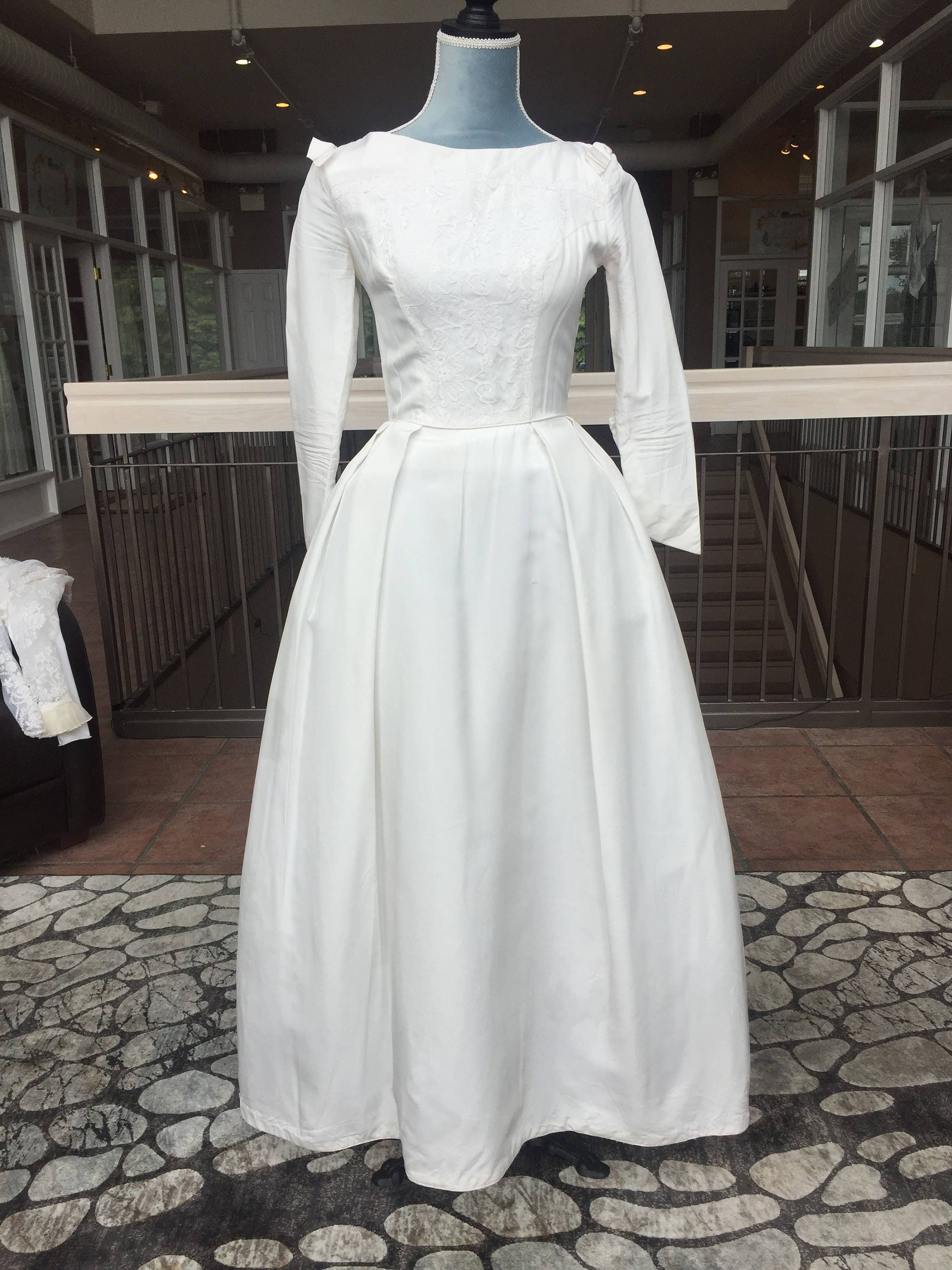 Long Sleeved Wedding Dresses.Long Sleeved Vintage Wedding Dresses Raveitsafe