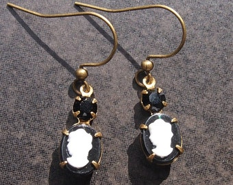 Vintage Cameo Earrings with Black Swarovski Rhinestone; Cameo Earring Black and White; Vintage Earrings