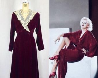 Vintage 1930's 1940's Style Women's Size 4 Deep Red Velvet Wrap Dress With Lace Collar Neckline Art Deco