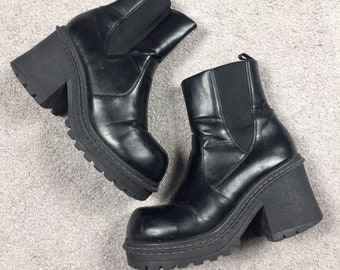 35472f86a38a Vintage 1990 s Women s Size 7 Black Pleather Chunky Heel Platform Goth Grunge  Club Ankle Boots