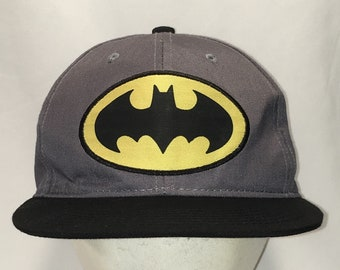 innovative design f33c9 b1d75 Batman Hat DC Comics Baseball Cap Gray Black Snapback Hats For Dad Cool  Gifts For Him Vtg 90s Flat Bill Ball Caps T126 JN016
