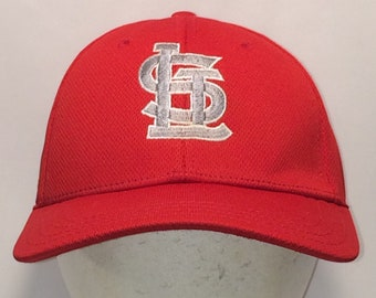 Vintage St Louis Cardinals Baseball Cap Legends Hat Red Grey A-Flex Stretch  Fit S M MLB Ball Cap Sports Hats For Men Dad Hat T4 M7118 0ba274a9b6d
