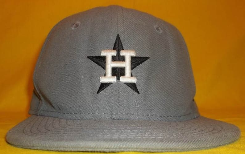 fbe900d2 Vintage Houston Astros Baseball Cap Youth New Era MLB Cooperstown  Collection Fitted Hat Baseball Caps Kids Size 6 3/8 T2 F7097
